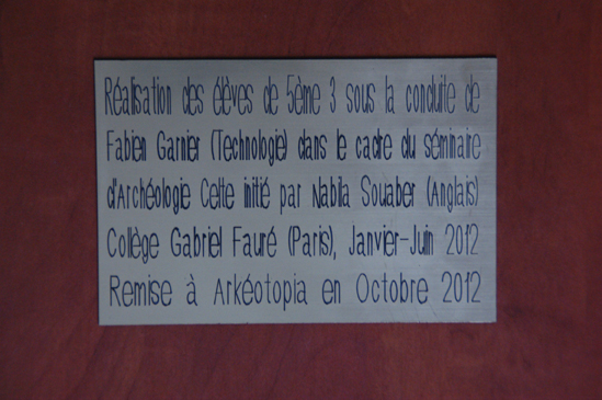The commemorative plaque made under the supervision of Fabien Garnier
