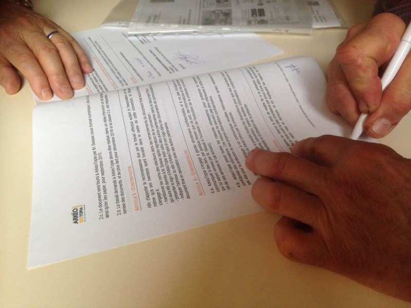 Signature of an agreement for the proofreading of a monograph in archaeology